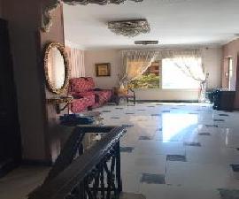 شقة تصلح مكتب اداري للايجار بزهراء المعادي 300م