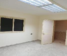 مكتب للايجار بالمعادي بتقسيم اللاسلكي 200م